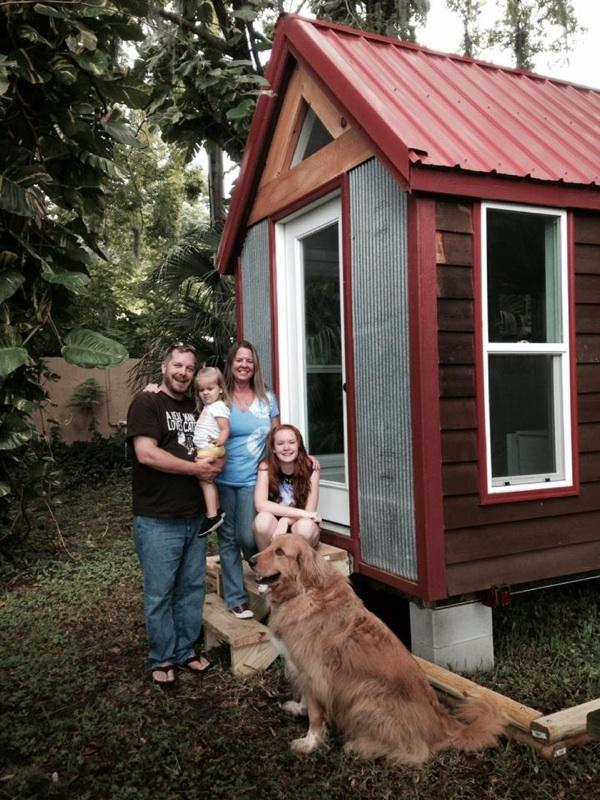 Tiny house family looking for land farm or large backyard to rent